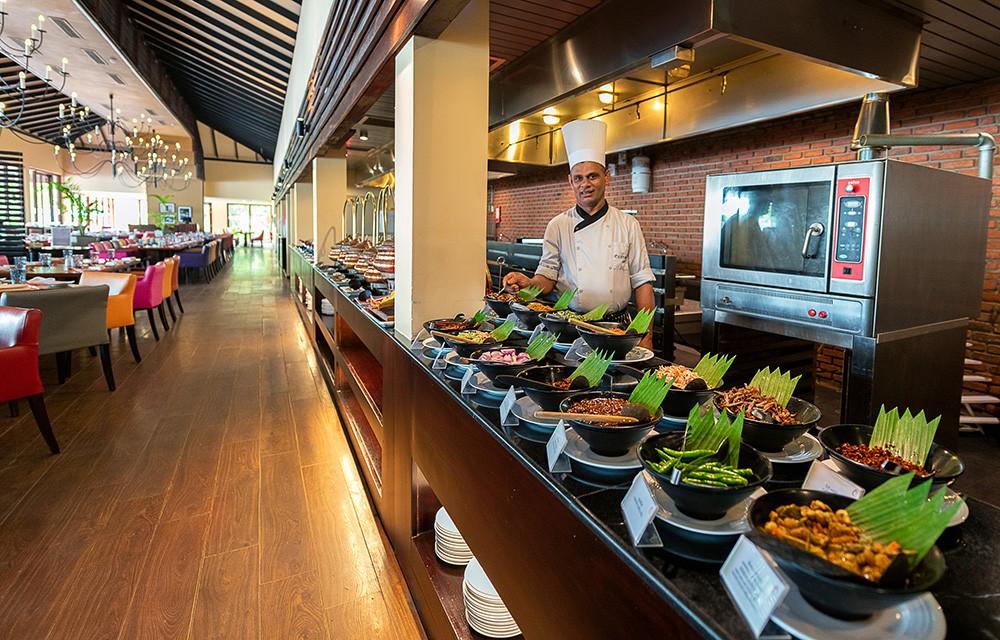 Centara Ceysands Resort & Spa Review - Where to stay in Bentota