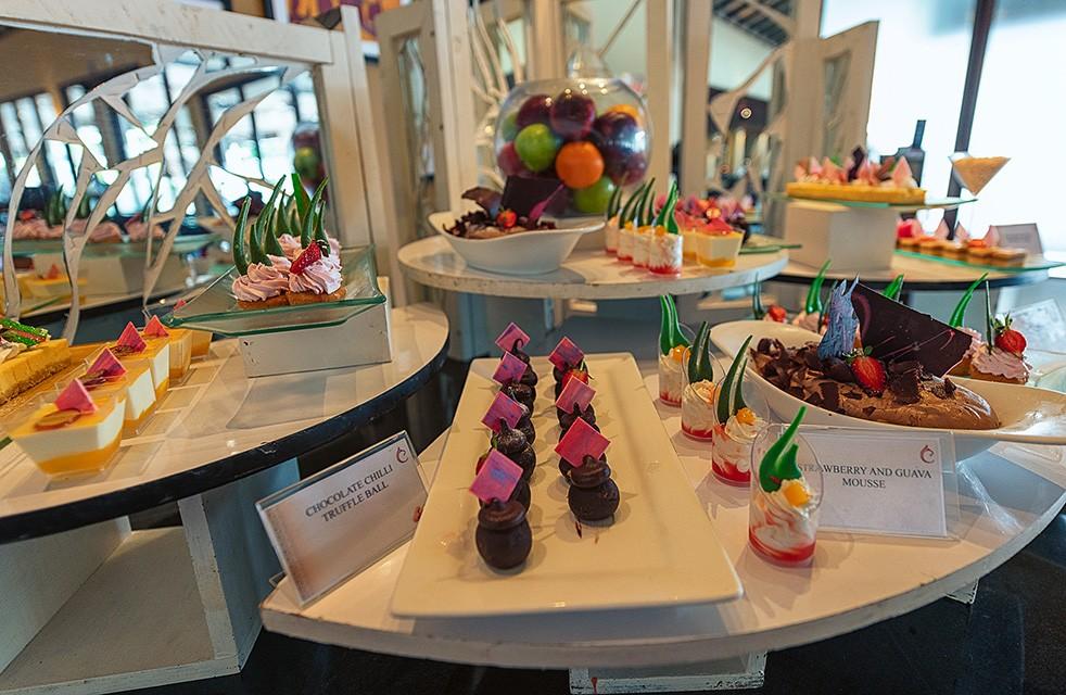 Centara Ceysands Resort Review - Where to stay in Bentota