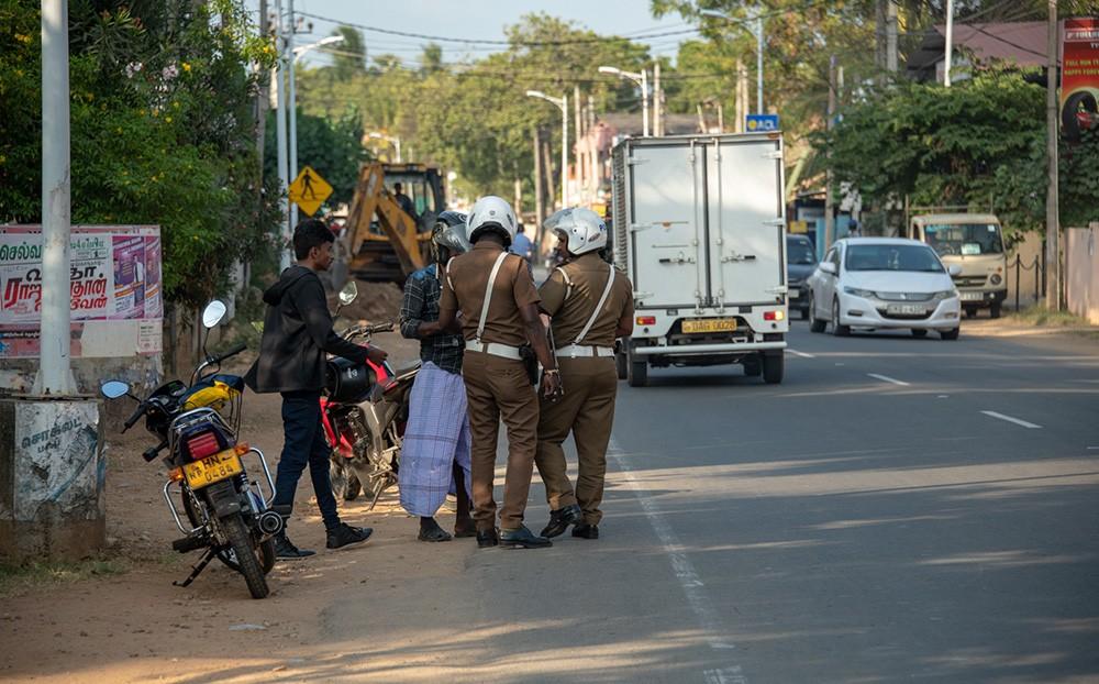Self driving in Sri Lanka - traffic police in Sri Lanka