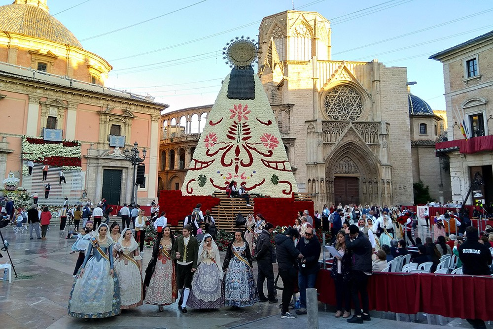 What to know about the Fallas festival in Valencia - Ofrenda de Flores