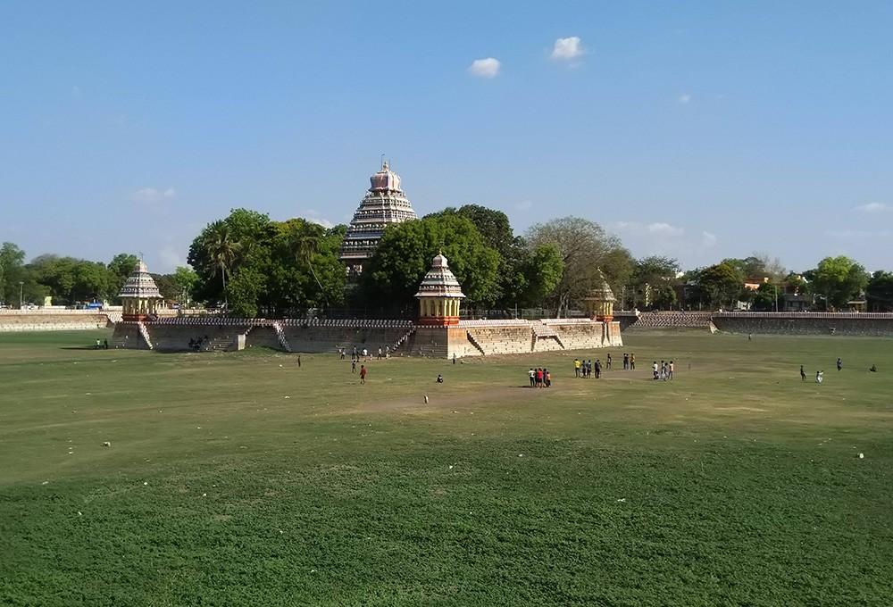 Places to visit in Madurai: Mariamman Teppakulam