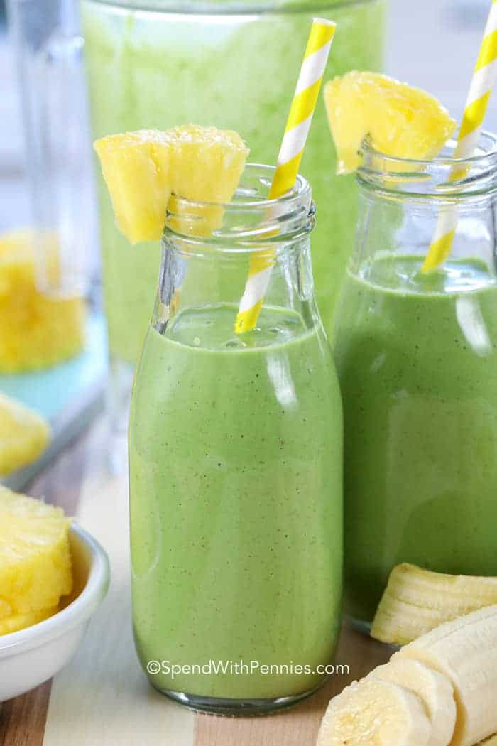 The Best Green Smoothie Recipe with kale and pineapple