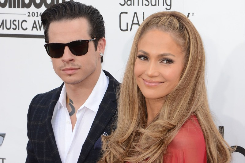 jennifer_lopez-casper_smart-red_carpet