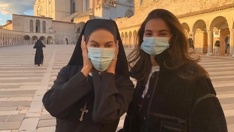 Che Dio ci aiuti 6 riprese, Elena Sofia Ricci e il cast girano in centro ad Assisi VIDEO