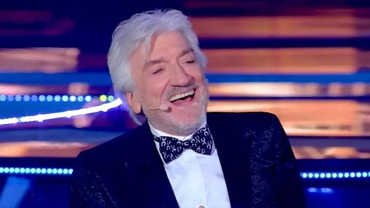 """""""Gigi che spettacolo"""" stasera in tv su Rai 1, l'omaggio a Gigi Proietti ad un mese dalla sua morte"""