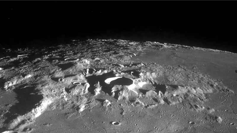 1 Moon LOC