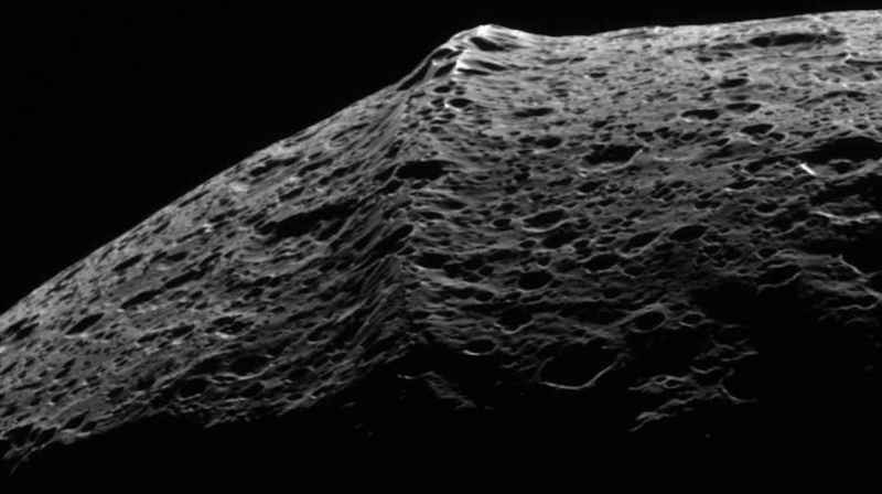21 Iapetus Ridge