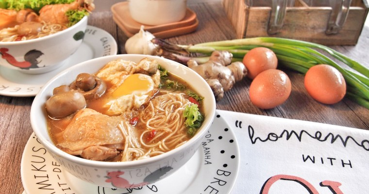 SUPER YUMMY! Chinese Ginger Wine Chicken Mee Sua 姜酒鸡面线