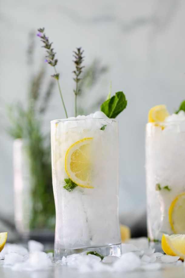 Forward facing shot of a vodka lemonade cocktail