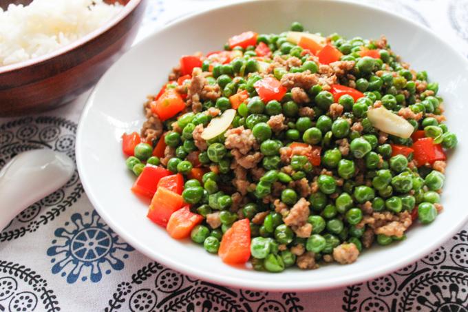 Ground pork with English Green Peas