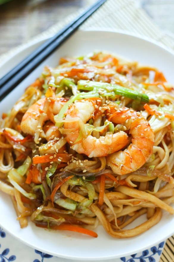 stir-fried-udon-with-shrimp-feature