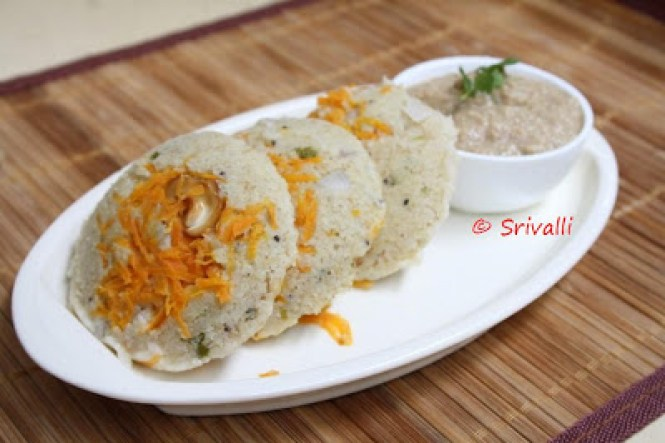 Steamed Oats Carrot Idli