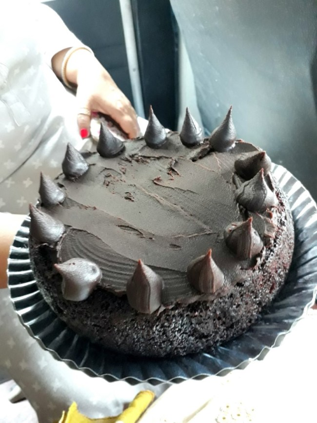 Eggless Dark Chocolate Cake with Ganache