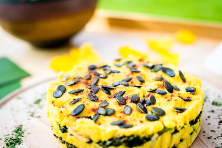 Rezept Spinattorte mit Ziegenfrischkäse und Harissa Spinat Maismehl Torte herzhaft Frühstück Snack Katerfrühstück Spicy Love vegetarisch