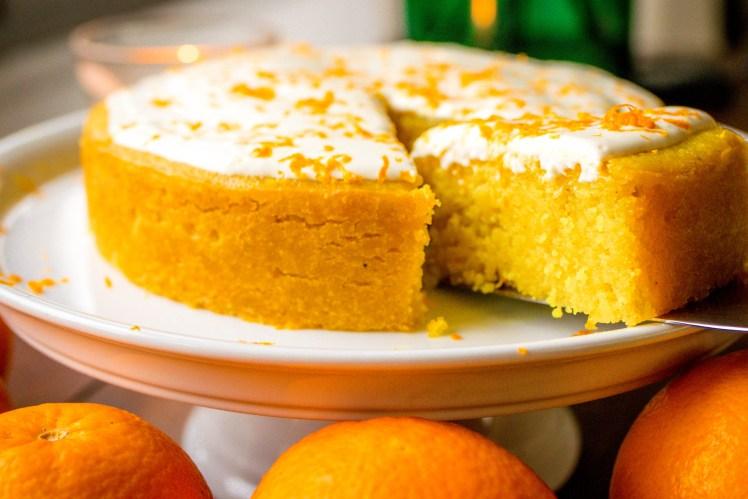 Rezept Orangenkuchen einfach saftig Kurkuma Vanille Grieß klein Springform ohne Zucker zuckerfrei ohne Butter Spicy Love
