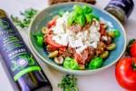 Rezept Kretischer Ntako mit Dako Zwieback griechisch lecker vegetarisch Olivenpaste Feta Sommer Kräuter Bruschetta Spicy Love