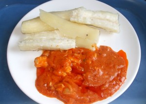boiled cassava [manioc] with pea flour stew