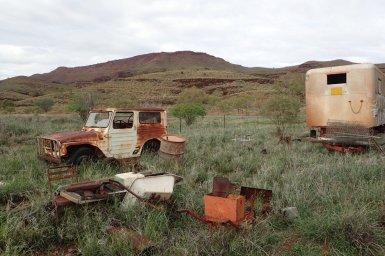 alte verrostete Fahrzeuge