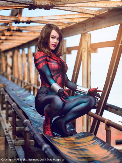 spider_girl__mayday_parker__cosplay_2_by_raquelsparrowcosplay-d934x8h