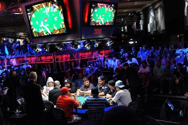 2010_Main_Event_Ten-Handed_Final_Table[1]