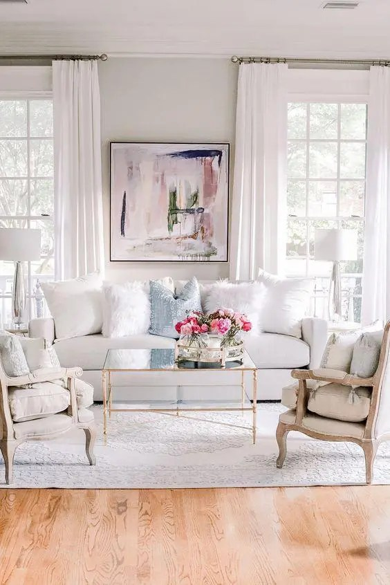 GET THE LOOK: SPOTLIGHT ON WHITES