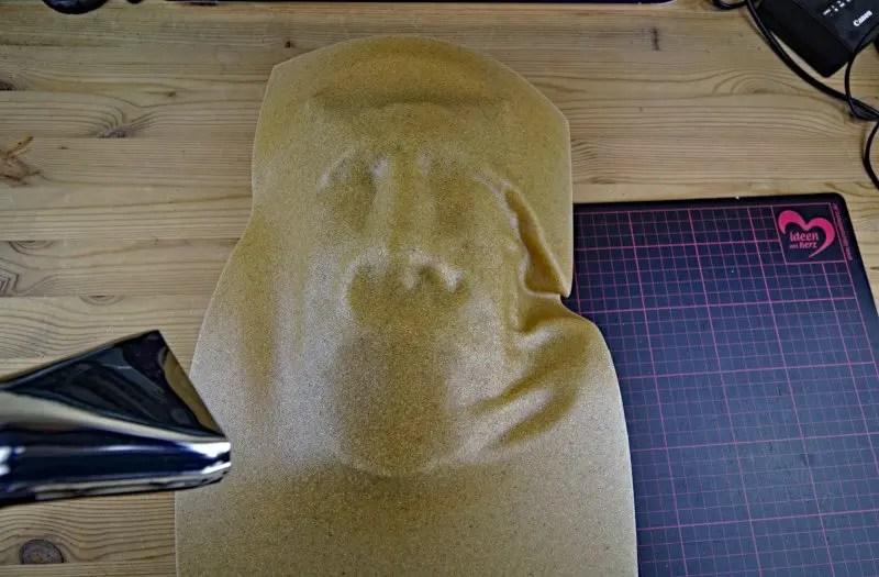 Moai Figur Formen mit Worbla und Heißluftfön