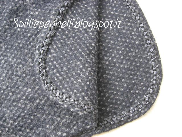 Cappottino e borsetta in lana cotta e tubino in velluto