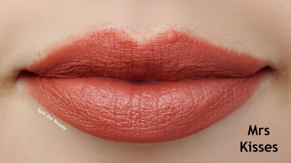 charlotte tilbury mrs kisses swatch