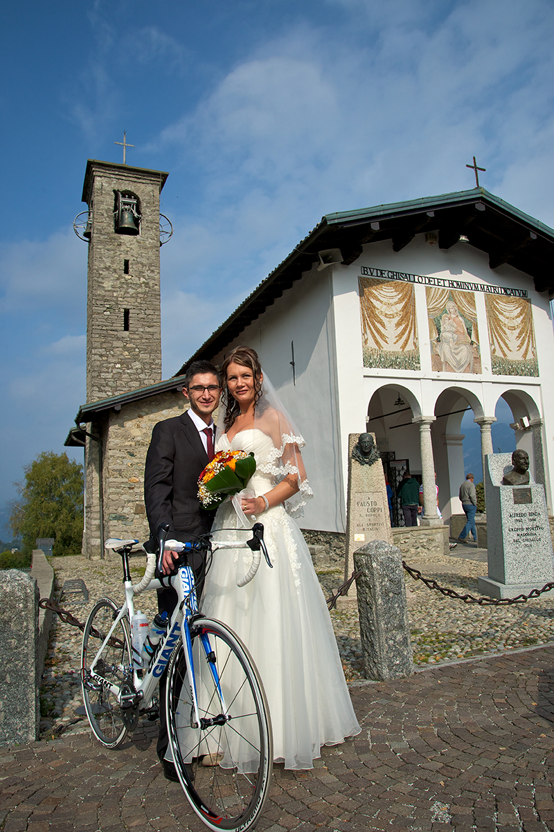 Radu and Elena Arsena from Magreglio Celebrate their Wedding in Front of Madonna del Ghisallo Chapel