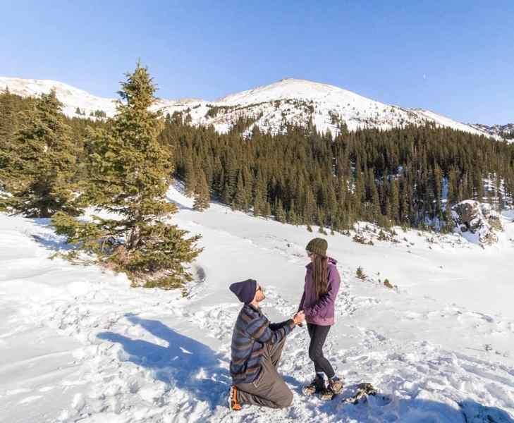guy proposing to girl at williams lake