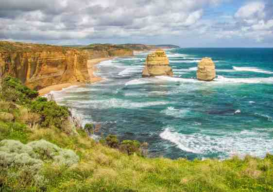 great ocean road and twelve apostles
