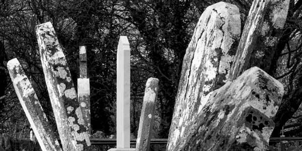 Pere Lachaise tombstones, photo by Henrik Anttonen