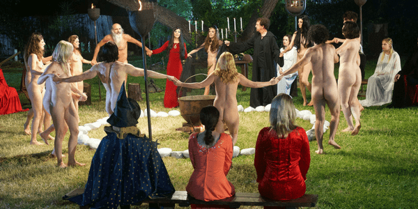 The Love Witch, Circle