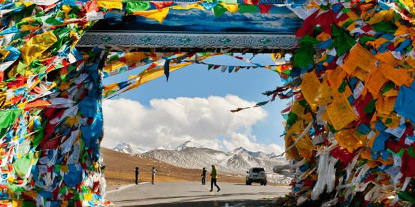 Tibetan Shamanism by Larry Peters, reviewed at Spiral Nature
