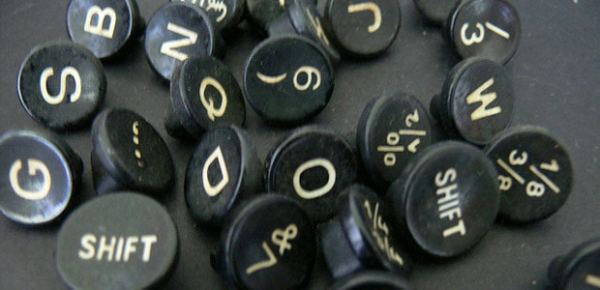 Typewriter letters, photo by Laineys Repertoire