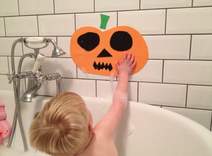Halloween Bathtime Foam Pumpkins