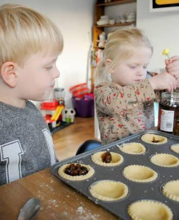 Making memories AKA mangling mince pies!