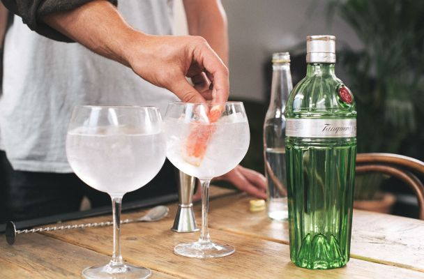 Tanqueray No. TEN gift pack