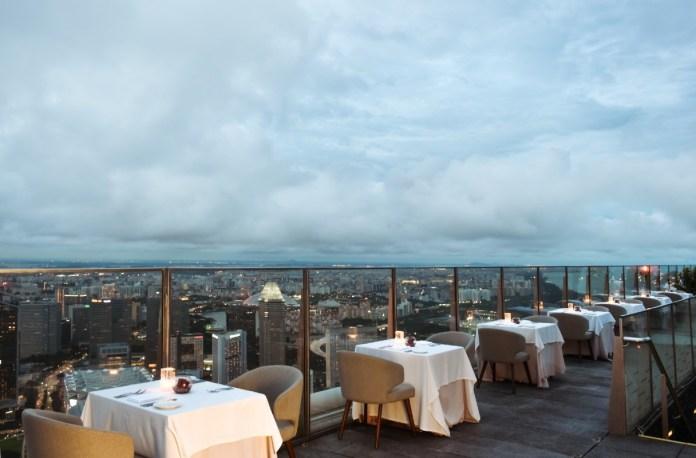 Stellar 1-altitude rooftop dining