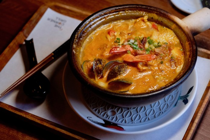 The Corner Grill - Claypot Seafood Bisque Sheng Mian