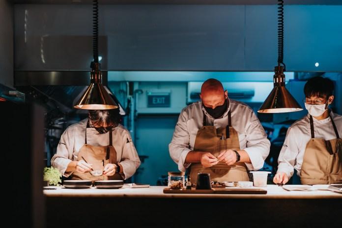 restaurant JAG kitchen team