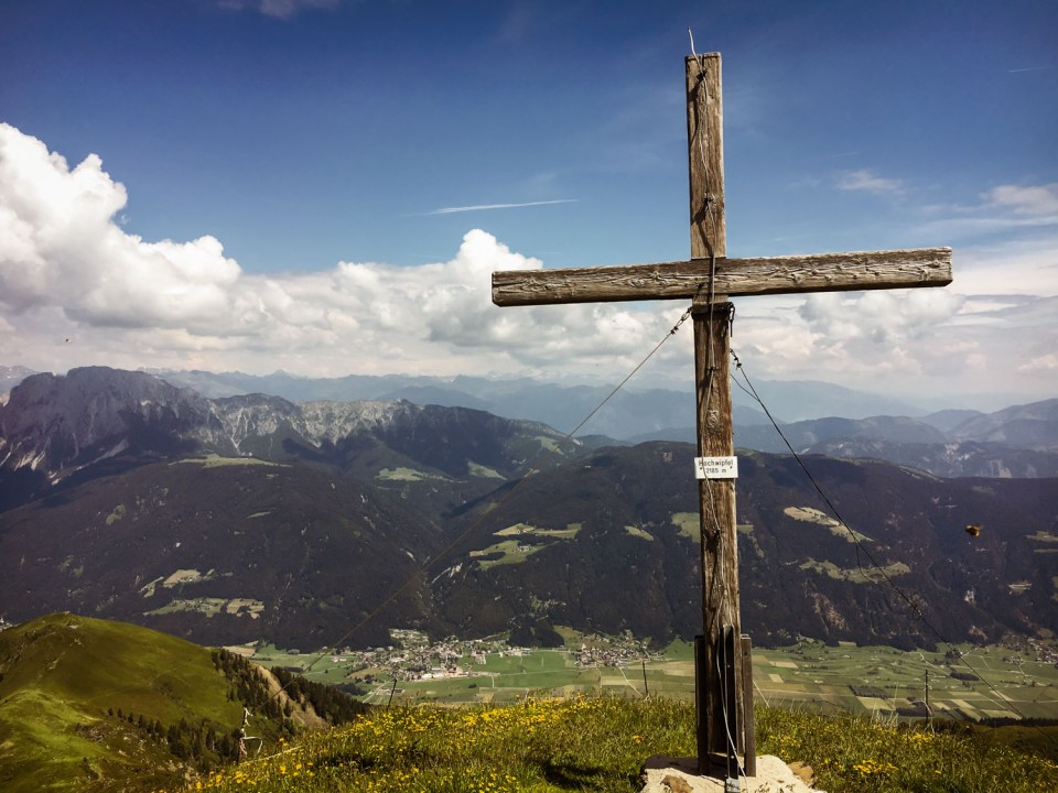 Das Gipfelkreuz am Hochwipfel