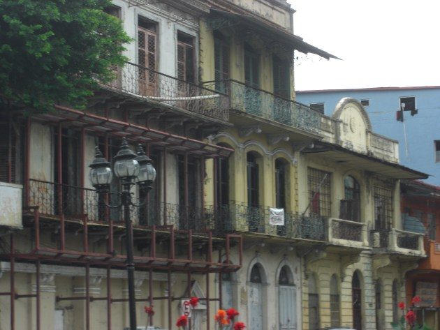 3-ot day rod iron balconies