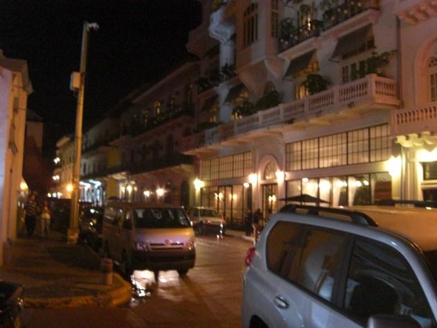 3-ot night hotels and bars