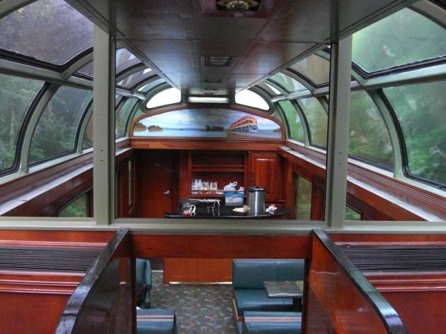 3-train dinning car