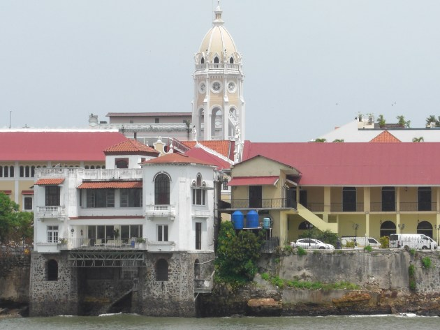 3-walk view of old city