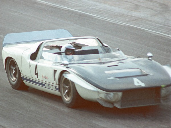 1965_Ford_GT40X11