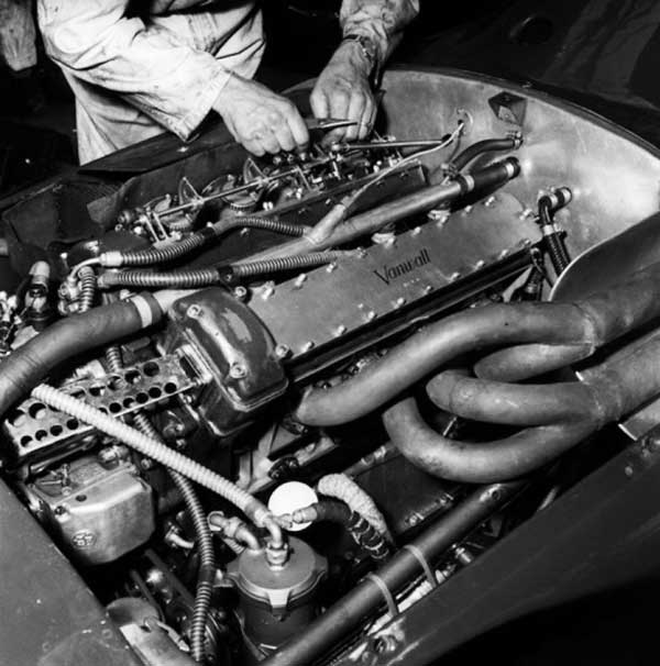 WEB----vanwall-engine