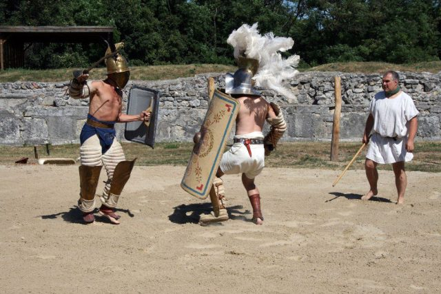 Gladiatoren-in-Carnuntum-2013-1024x683