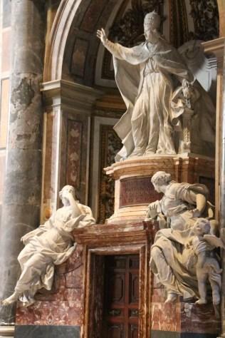 pope statue waving